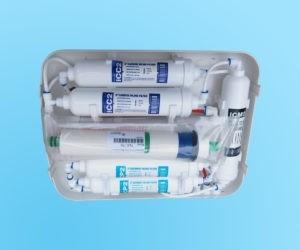 Wnętrze filtru z wkładami i membraną RO6 Hydro Slim