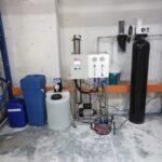 Stacja uzdatniania wody 200 litrów/godzinę wraz z dozowaniem antyskalantu, filtracją wstępną i zmiękczaczem wody